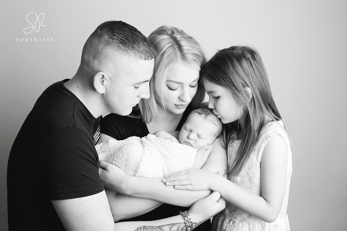 Black & White Photography Newborn with family
